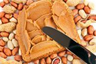 Pasta de amendoim natural está bombando no Brasil; veja como fazer!