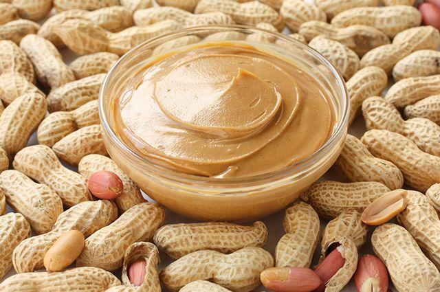 Existe tanto a versão de manteiga de amendoim doce quanto salgada