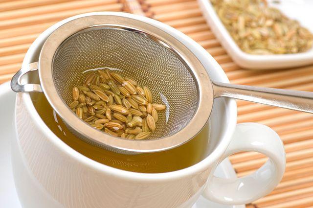 As gestantes devem evitar o chá de erva doce, pois ele estimula a contração do útero