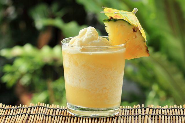 Um exemplo de shake caseiro para emagrecer que funciona é o de abacaxi