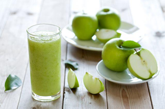 Um exemplo de shake caseiro para emagrecer que funciona é o de maçã e linhaça