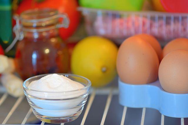 Bicarbonato dentro de geladeira