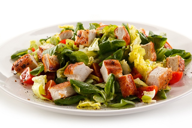 Salada com peru