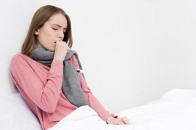Mulher com tosse