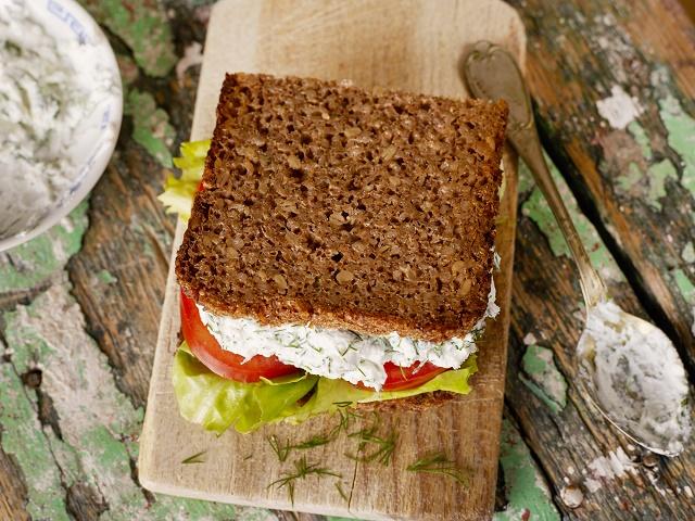 Sanduíche com pão integral