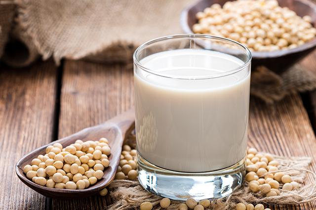 Copo com leite de soja